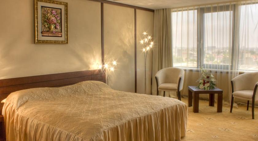 Hotel Royal €€